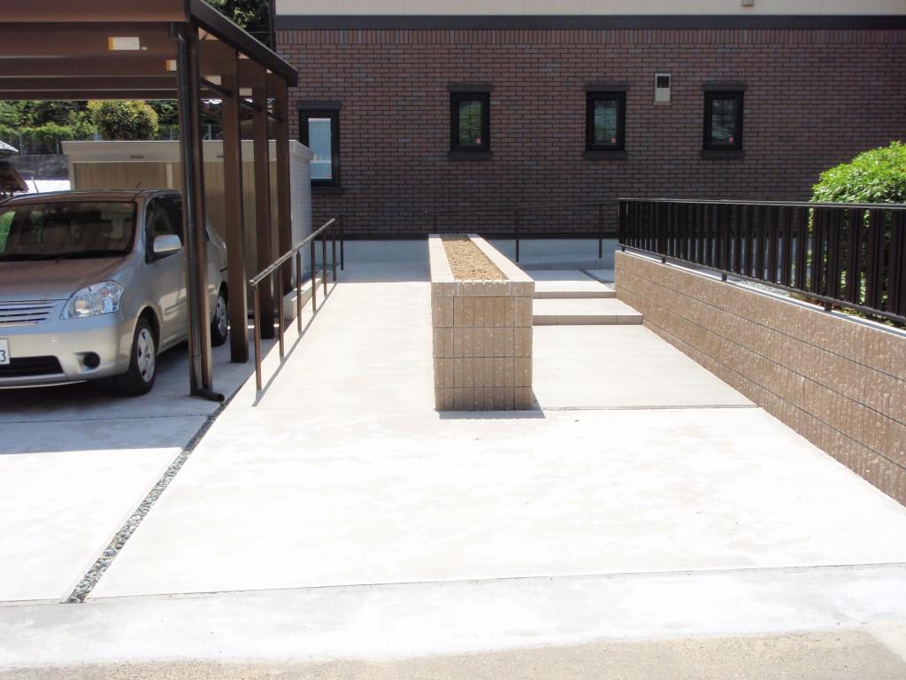 スロープ、階段:コンクリート1発仕上